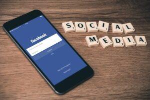 médias sociaux dans l'éducation